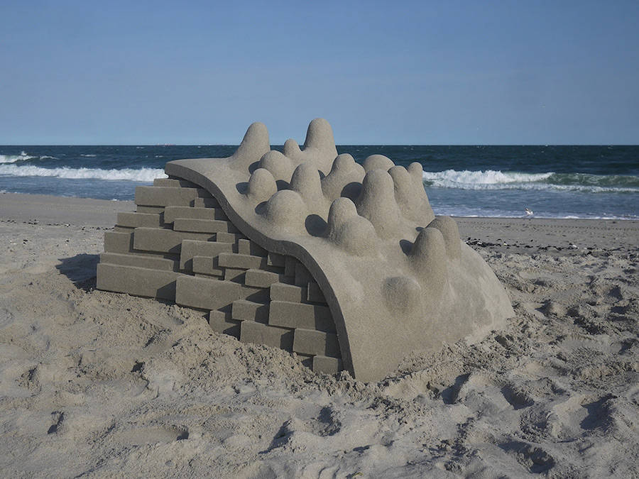 Mind-blowing-Geometric-Sandcastles-by-Calvin-Seibert-4-900x675
