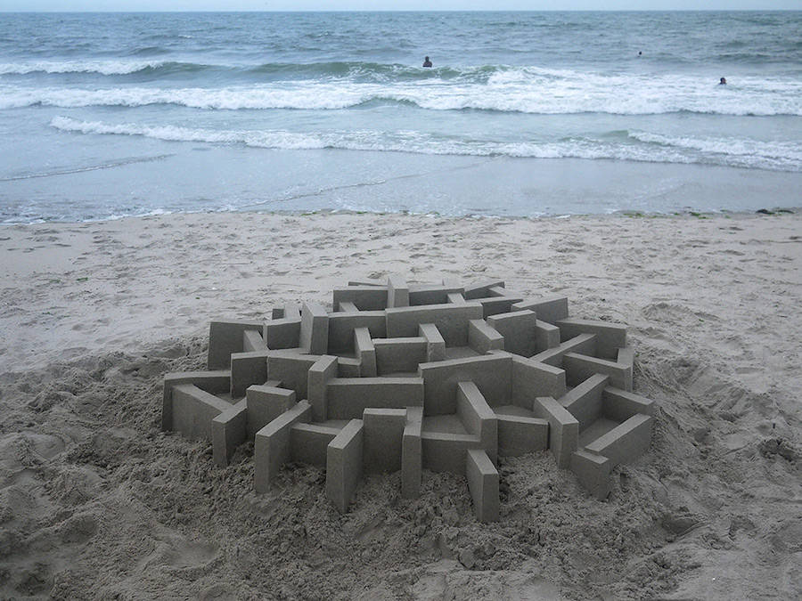 Mind-blowing-Geometric-Sandcastles-by-Calvin-Seibert-6-900x675
