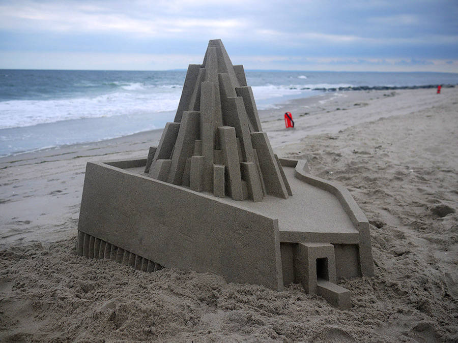 Mind-blowing-Geometric-Sandcastles-by-Calvin-Seibert-7-900x675